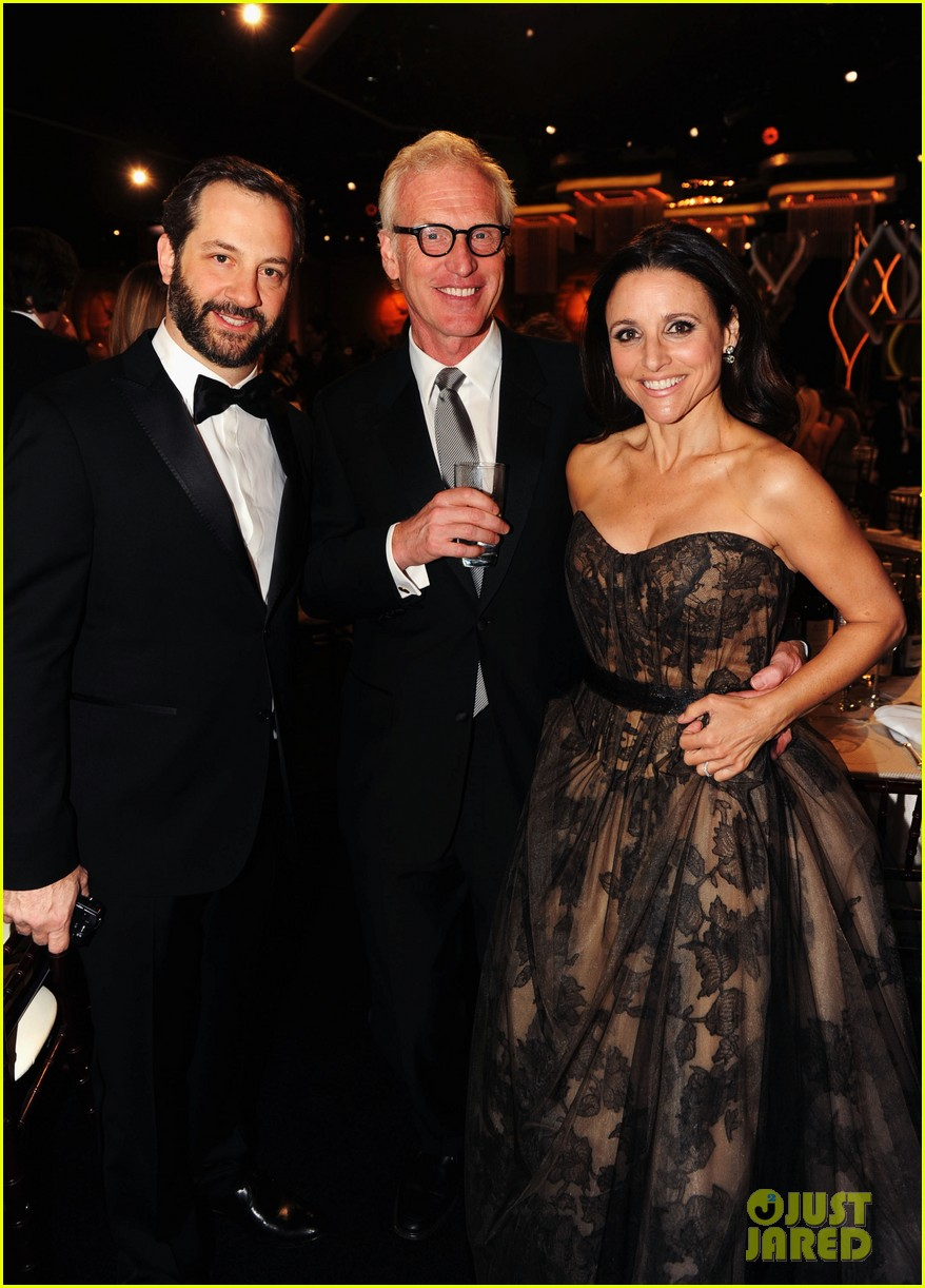 julia louis dreyfus golden globes 2013 red carpet 032791313