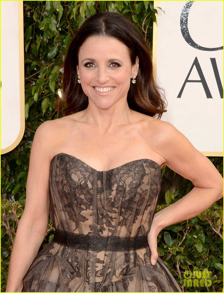 julia louis dreyfus golden globes 2013 red carpet 06