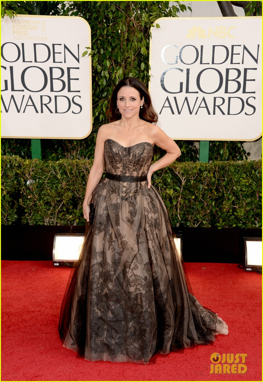 julia louis dreyfus golden globes 2013 red carpet 102791320