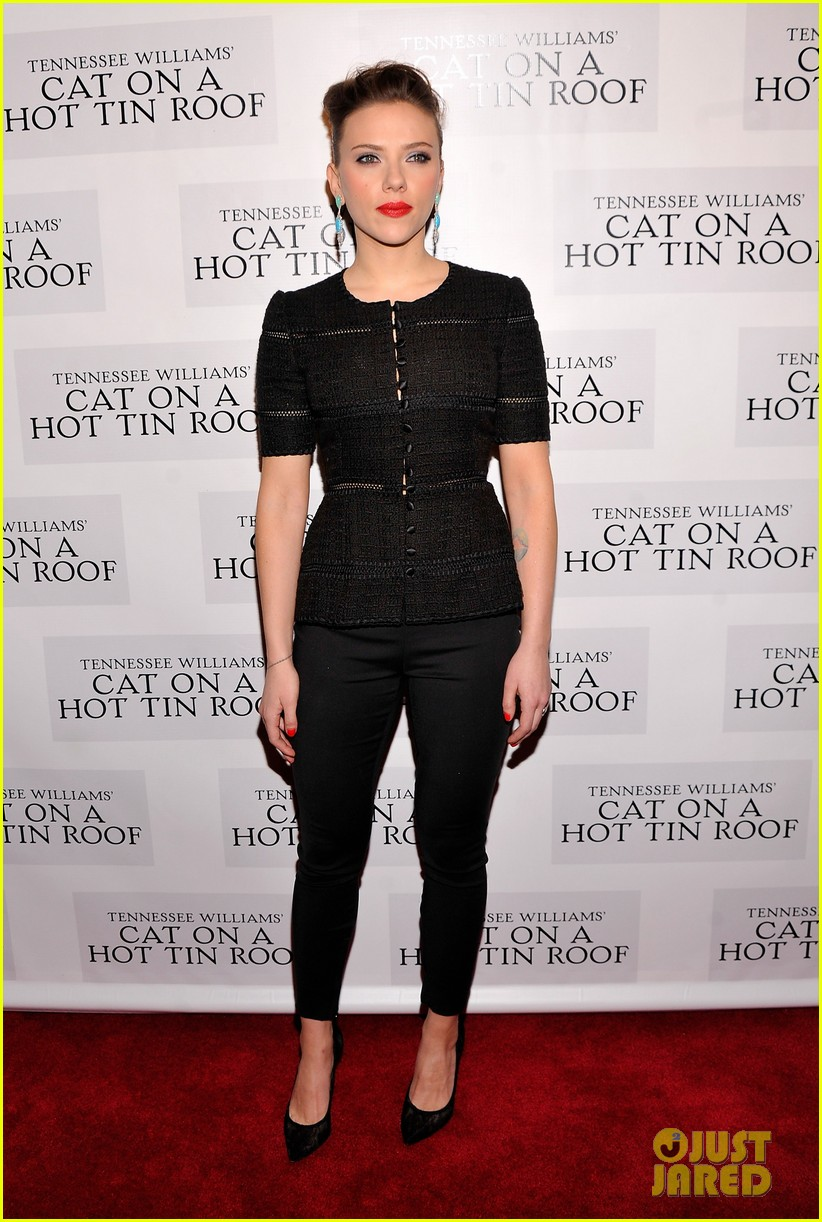 scarlett johansson cat on a hot tin roof opening party 01