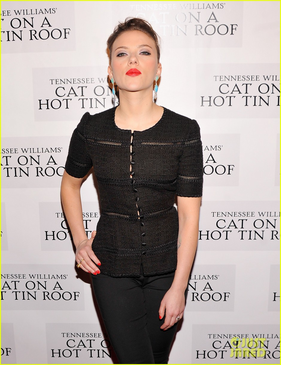 scarlett johansson cat on a hot tin roof opening party 16