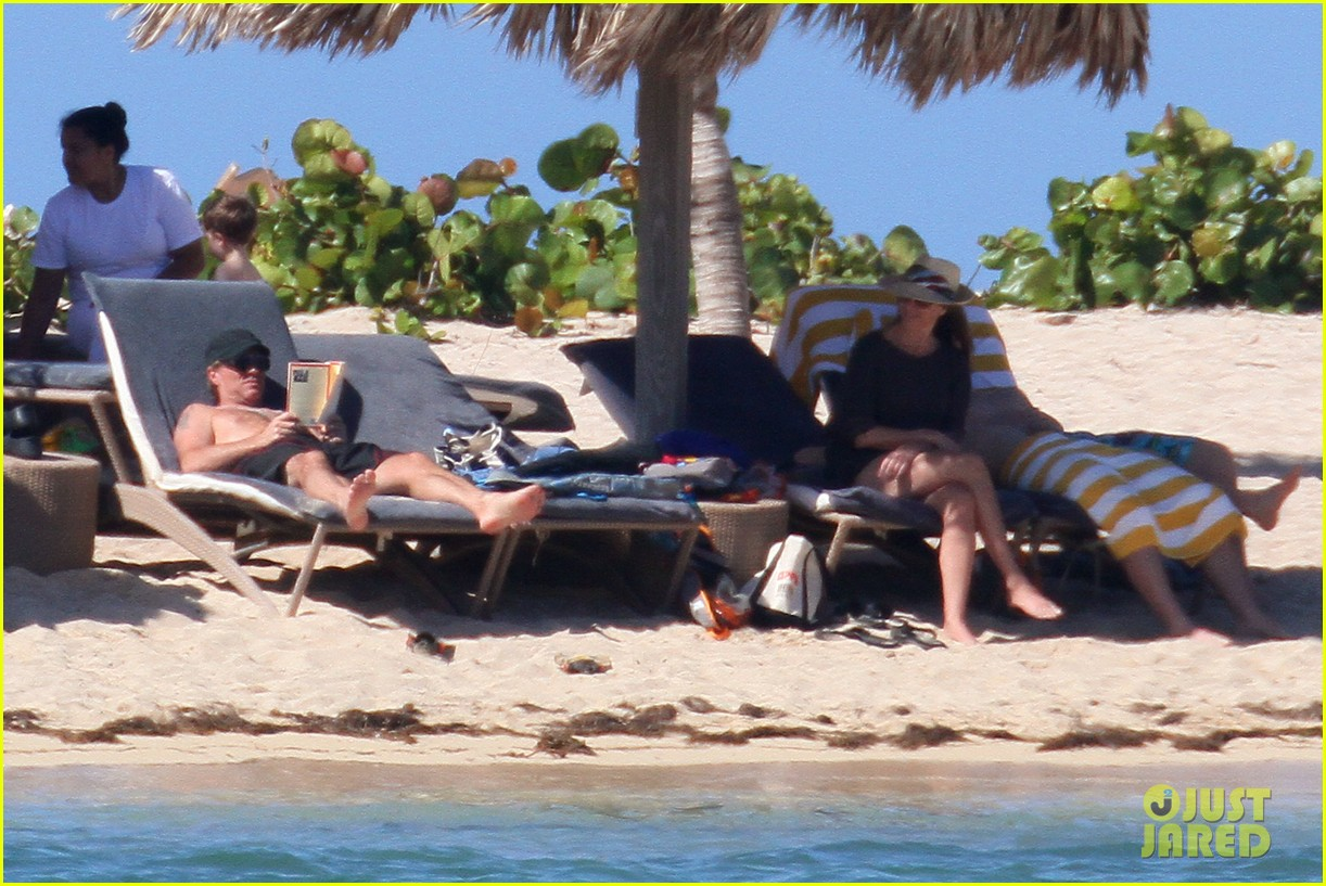 jon bon jovi shirtless sunbathing in st barts 08