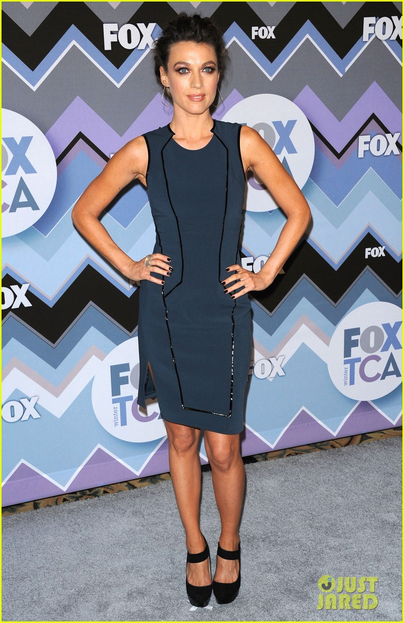 mindy kaling zooey deschanel fox tca all star party 05