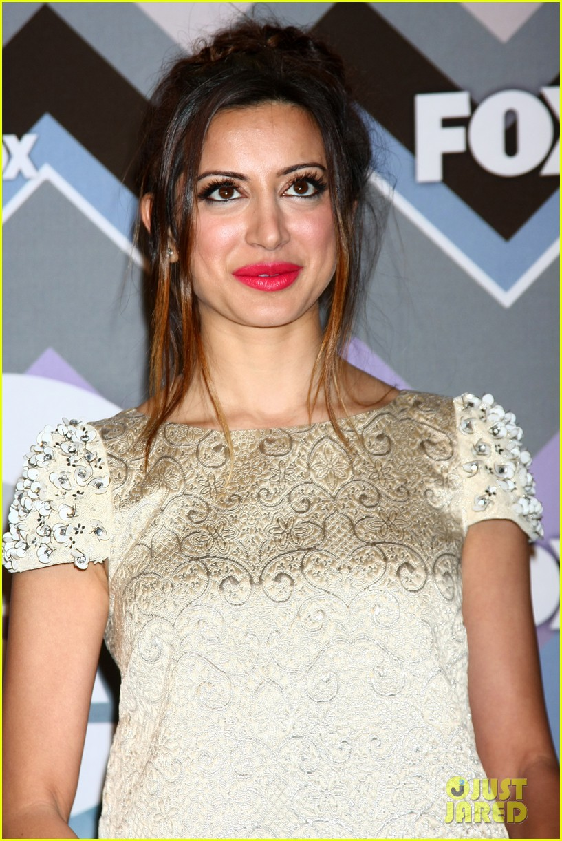 mindy kaling zooey deschanel fox tca all star party 24