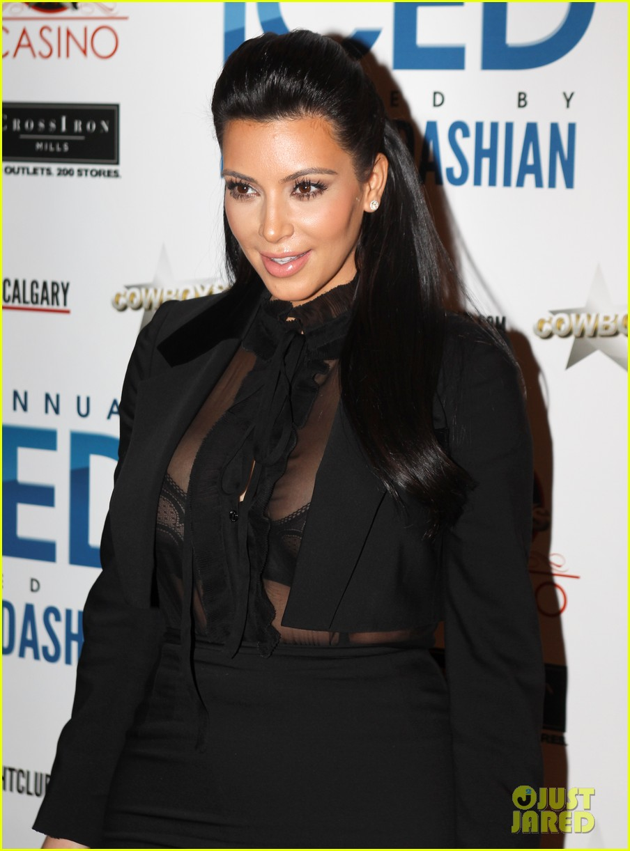 pregnant kim kardashian sheer top at iced event 02