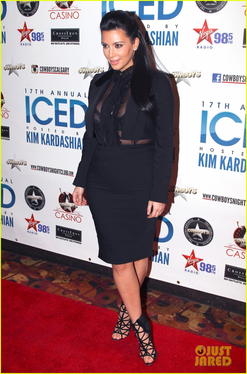 pregnant kim kardashian sheer top at iced event 05