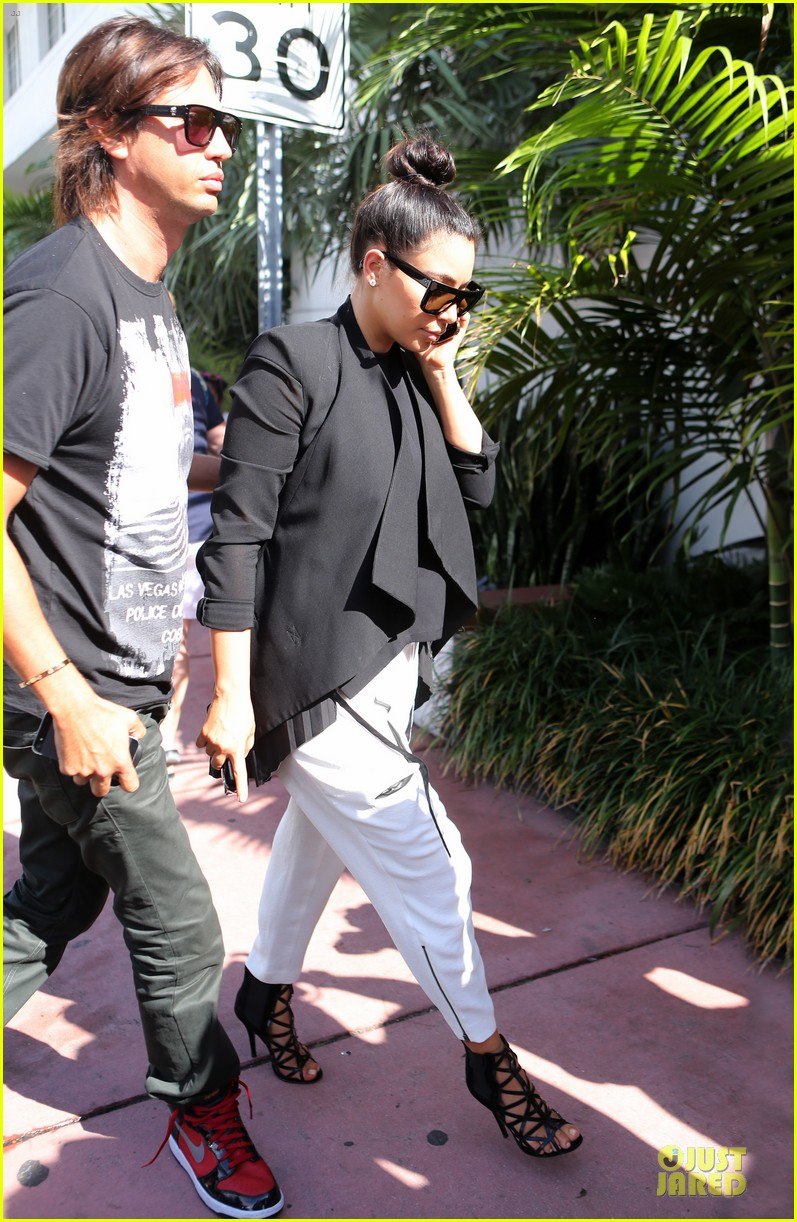 kim kardashian lunch & shopping with jonathan cheban 092786650