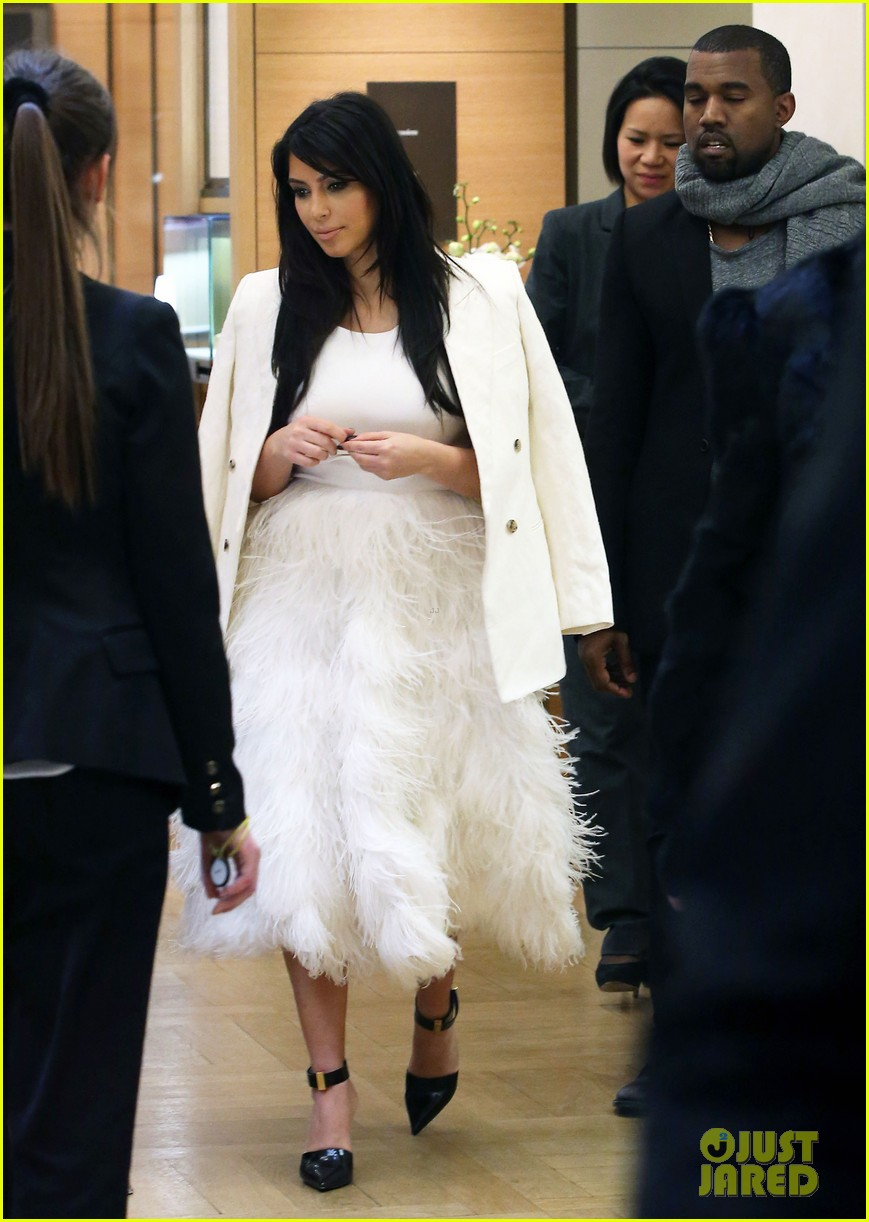 kim kardashian kanye west day off in paris 10