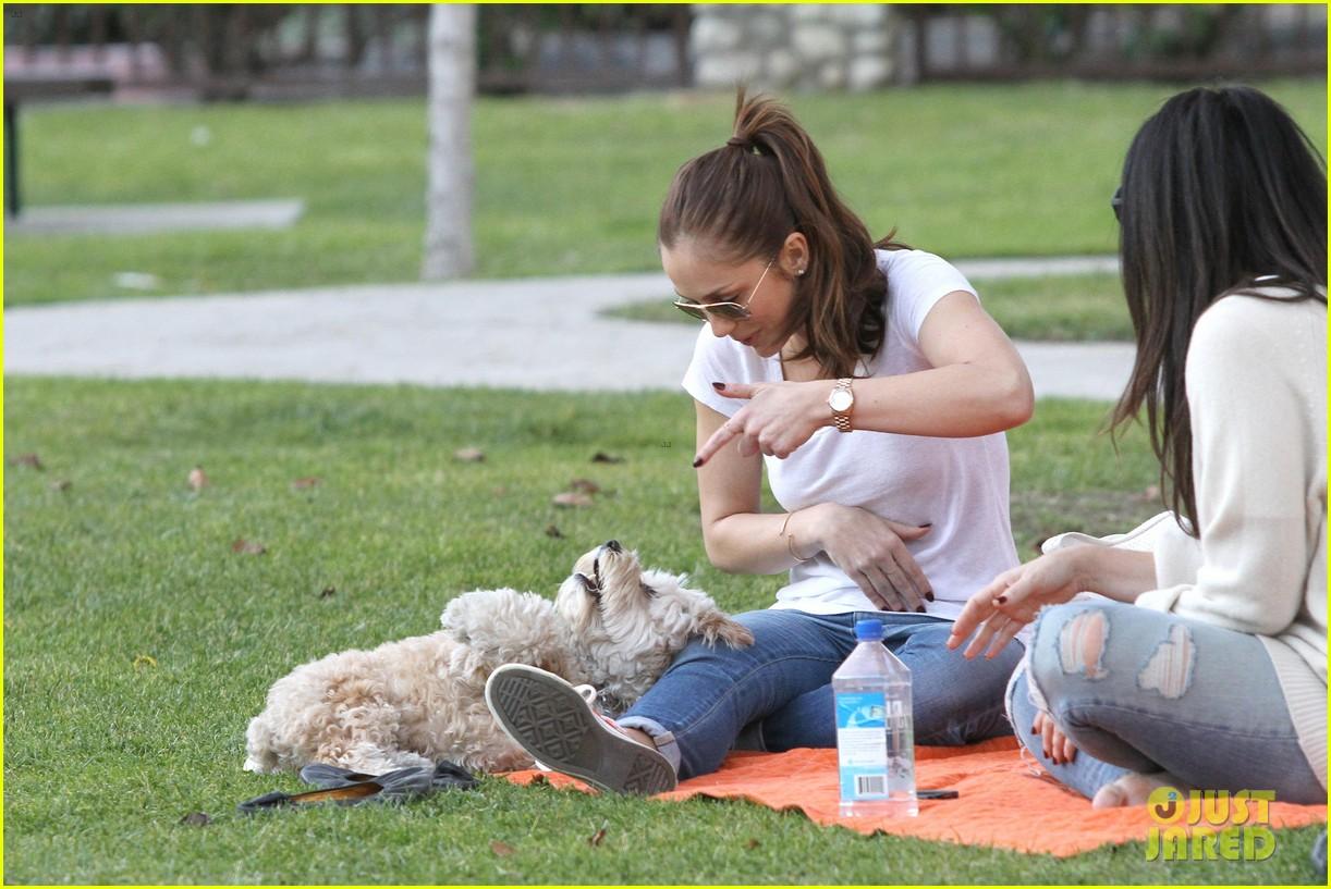 minka kelly dog park fun with chewy 35
