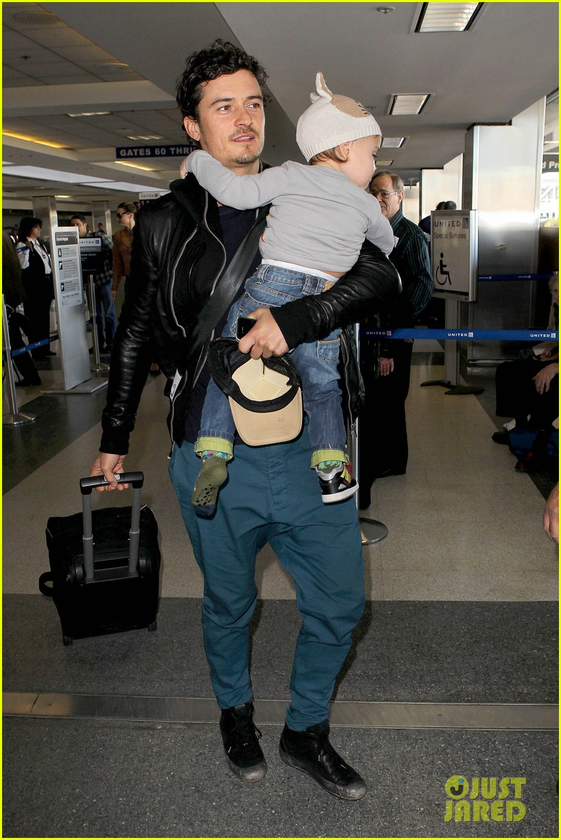 miranda kerr orlando bloom flynn family flight 05