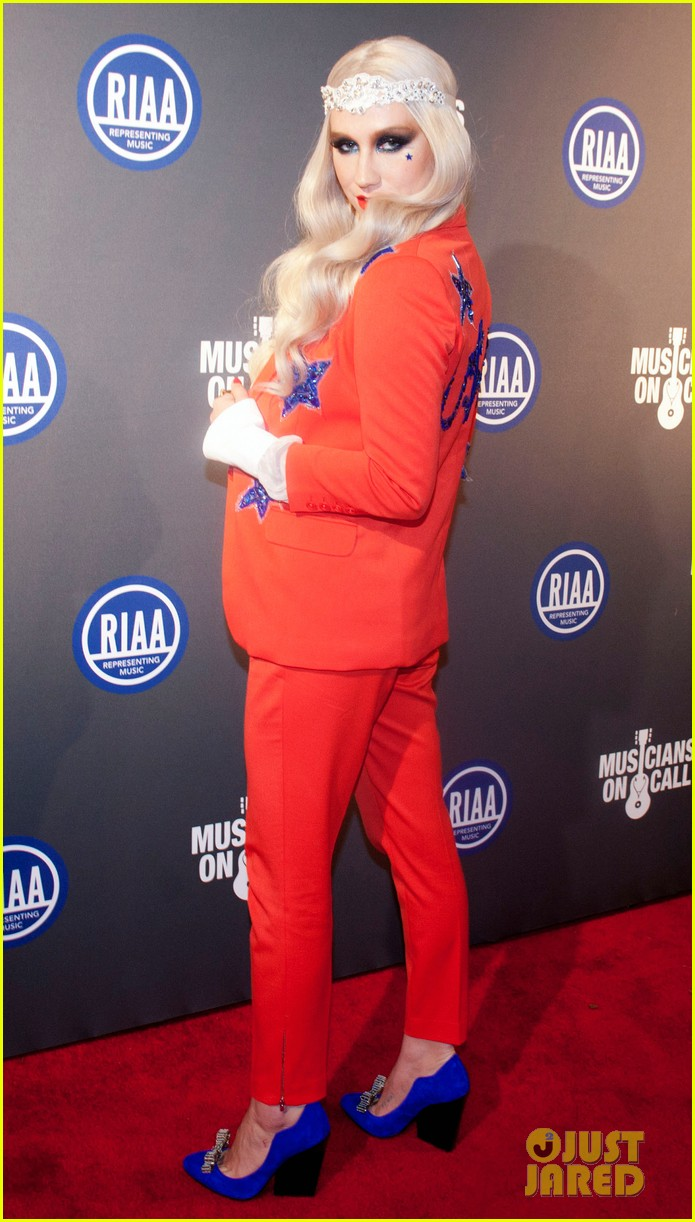 kesha red white blue for riaa inaugural ball 2013 052796506