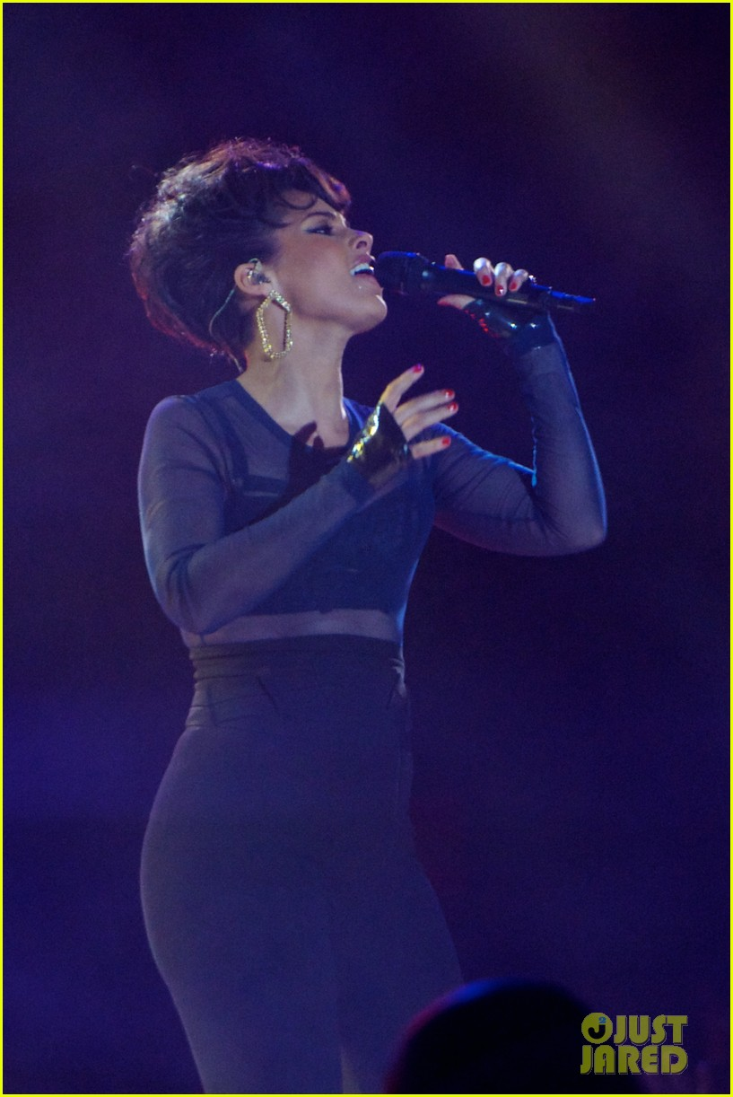 alicia keys 40 principales awards performance watch now 12