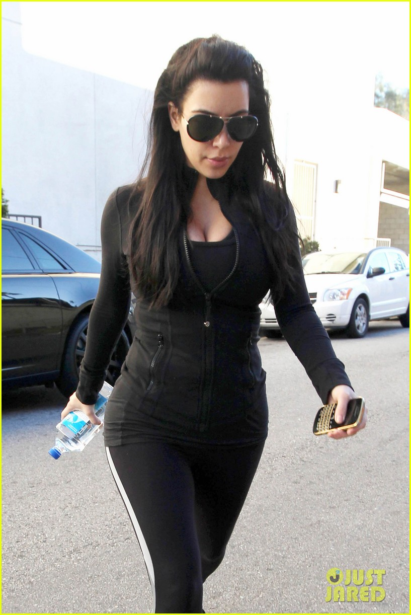 kim kardashian no morning sickness yet 04