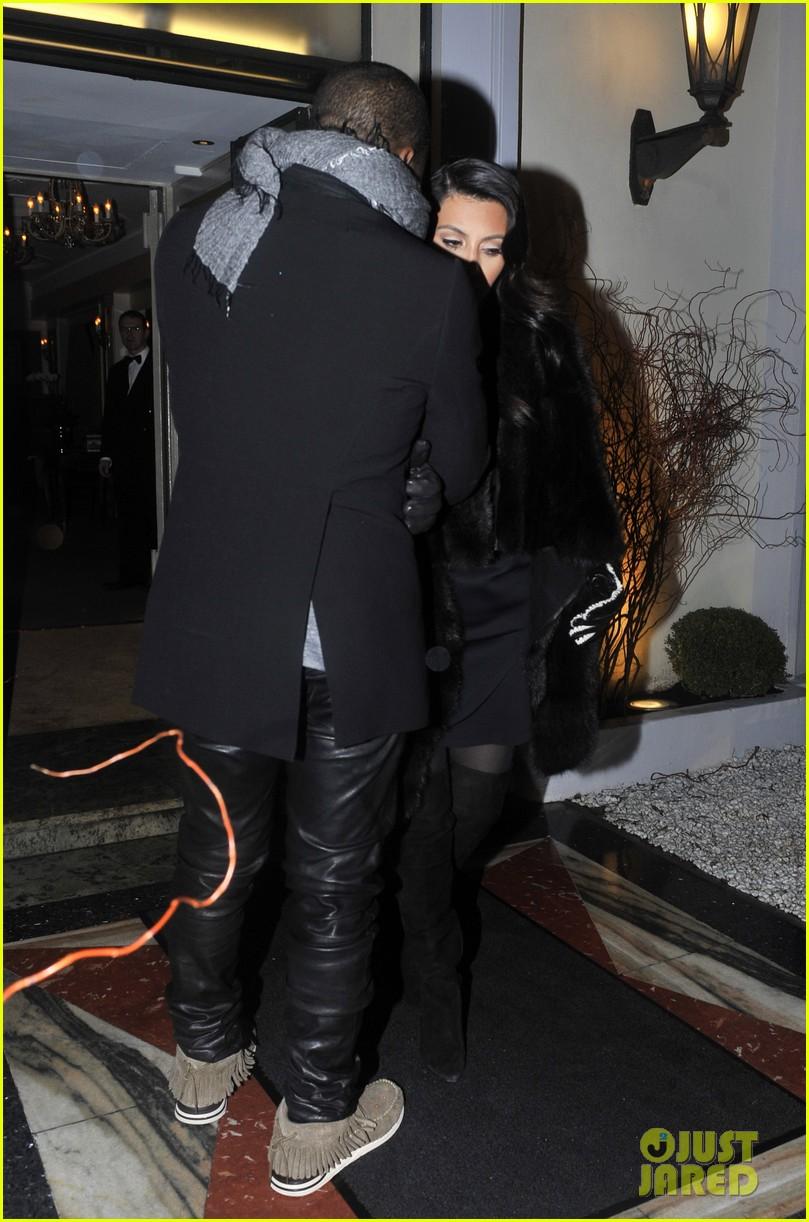 kim kardashian kanye west perfect night in paris 17