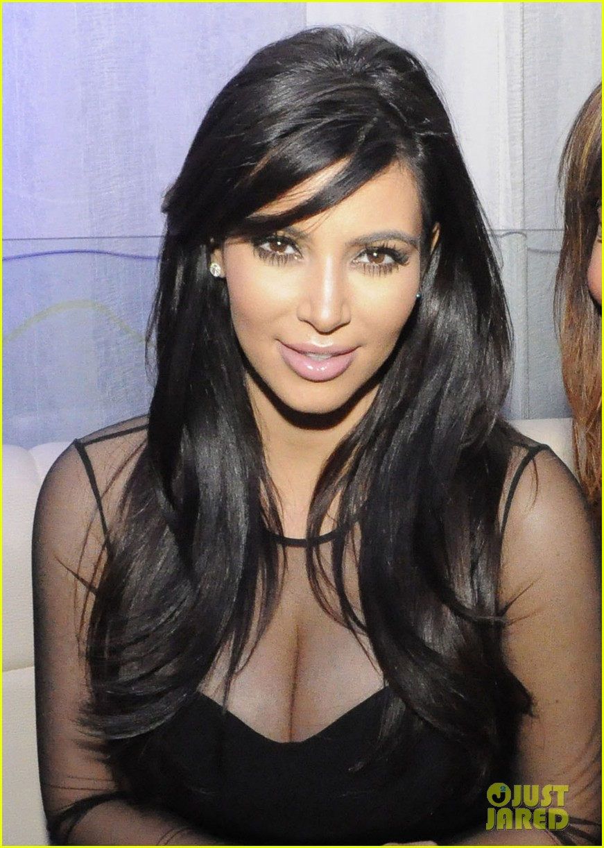 kim kardashian kourtney kim take miami premieres tonight 04
