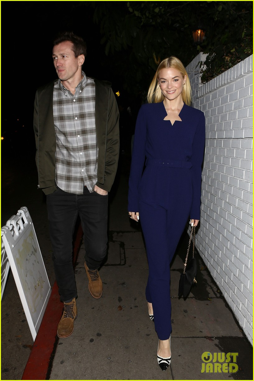jaime king kyle newman endorse jj abrams for star wars 052800258