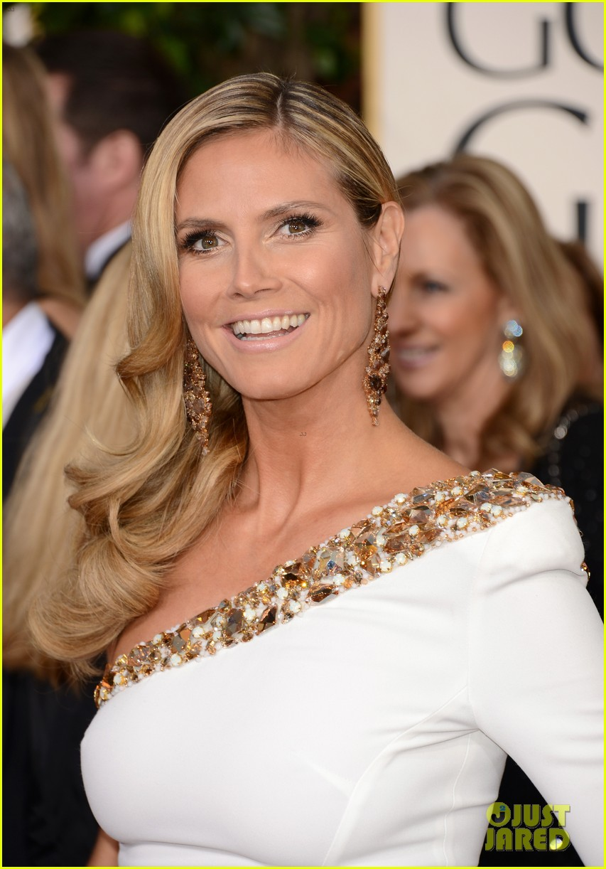 heidi klum golden globes 2013 red carpet 102791803