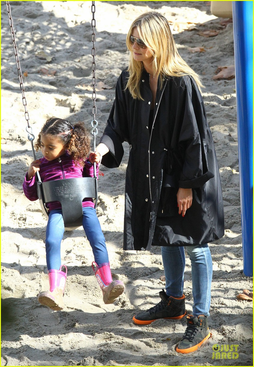 heidi klum martin kirsten swinging saturday with the kids 25