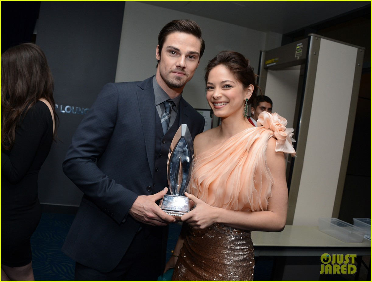 kristin kreuk jay ryan peoples choice awards 2013 04