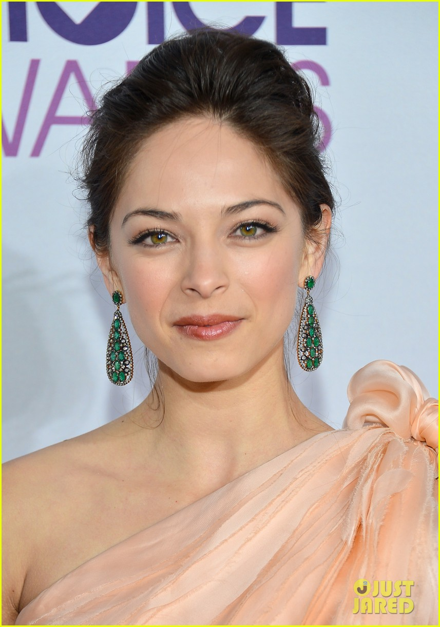 kristin kreuk jay ryan peoples choice awards 2013 09