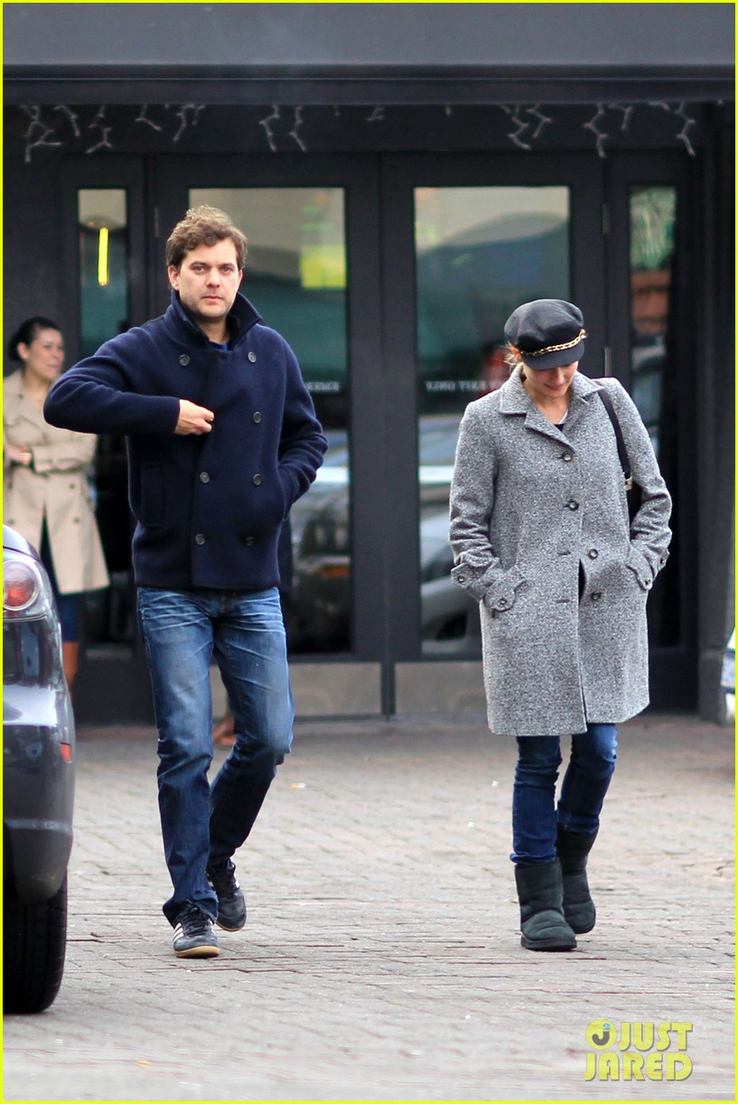 diane kruger joshua jackson football sunday 05