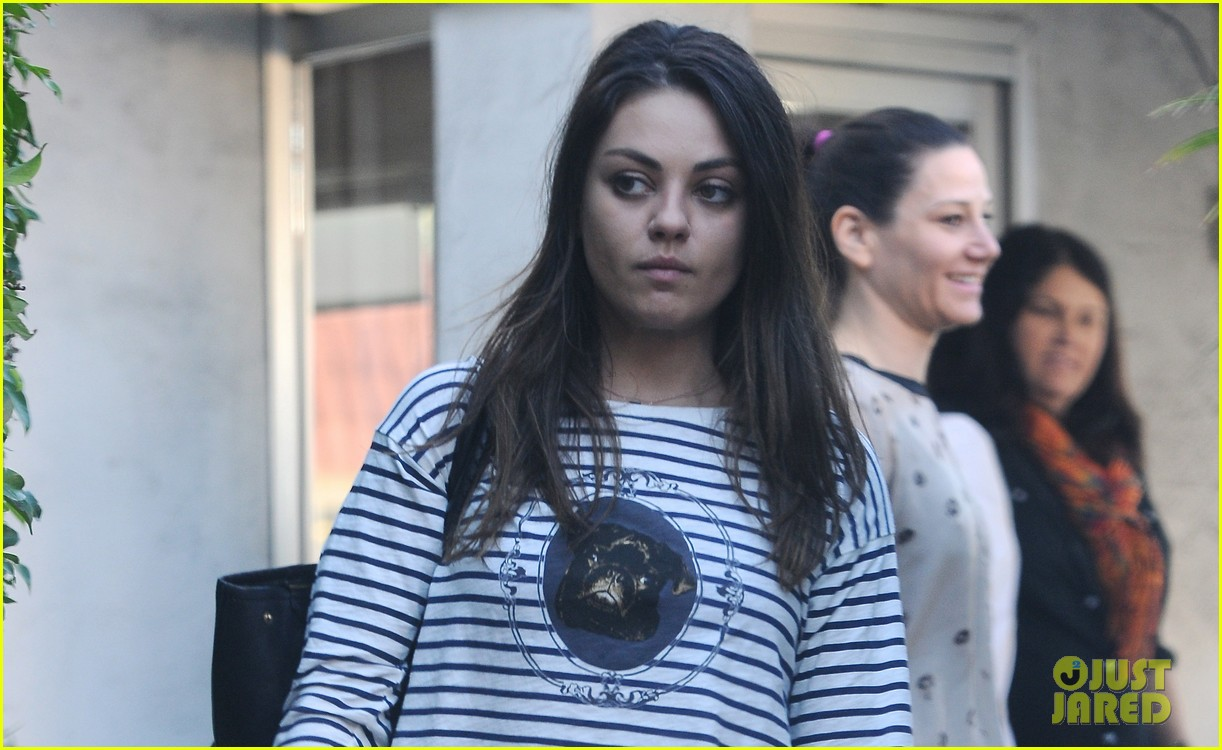 mila kunis body cream ad banned in uk 02
