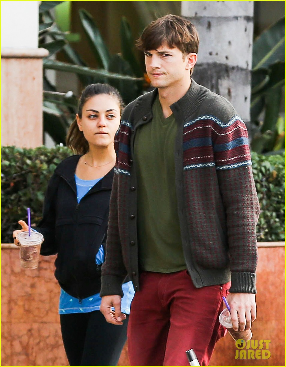 ashton kutcher mila kunis coffee bean couple 06