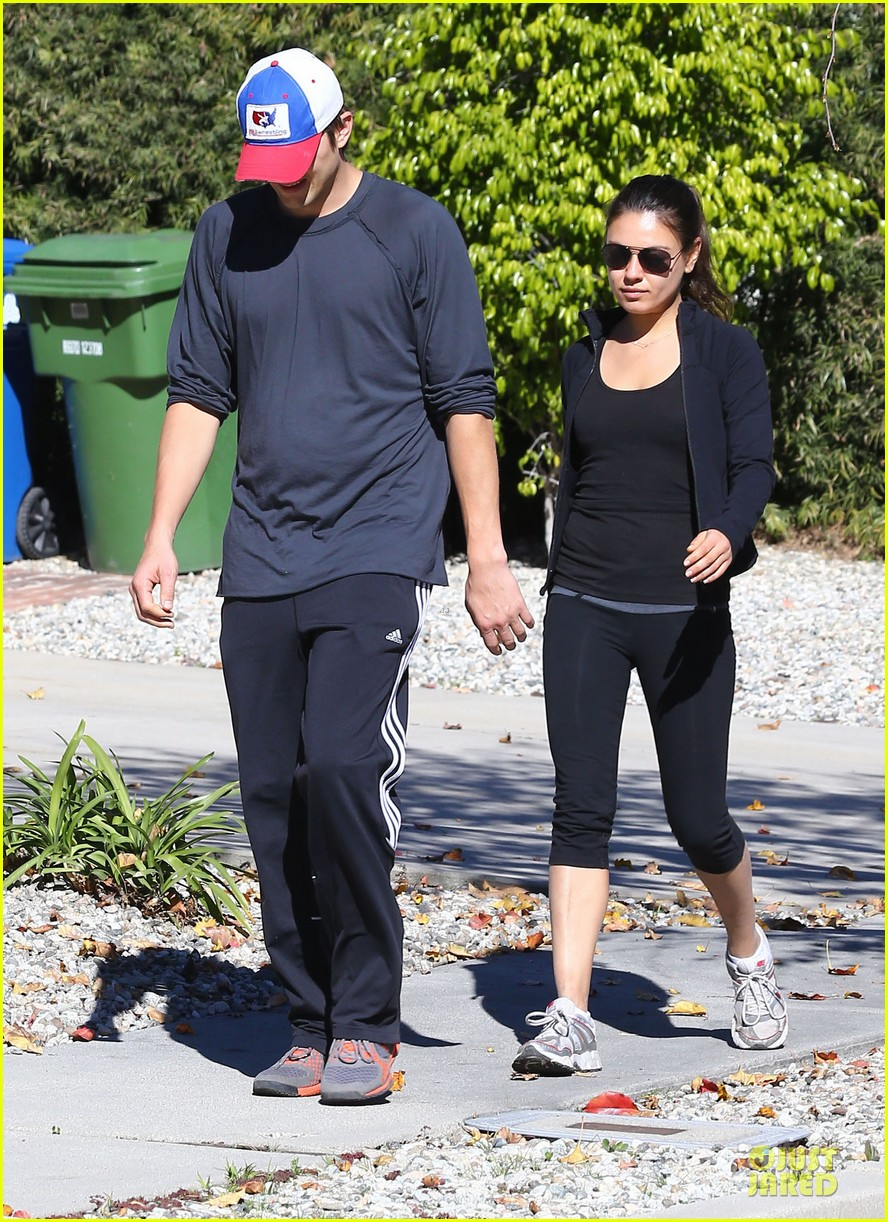 ashton kutcher mila kunis saturday morning walk 062794817