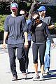 ashton kutcher mila kunis saturday morning walk 03