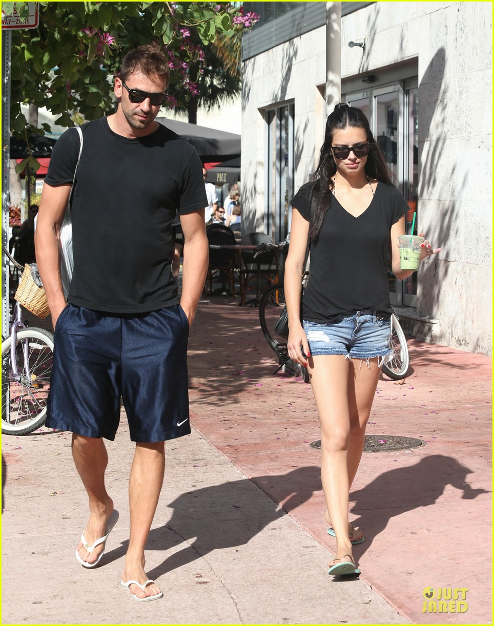 adriana lima chilling with husband marko jaric 072785231