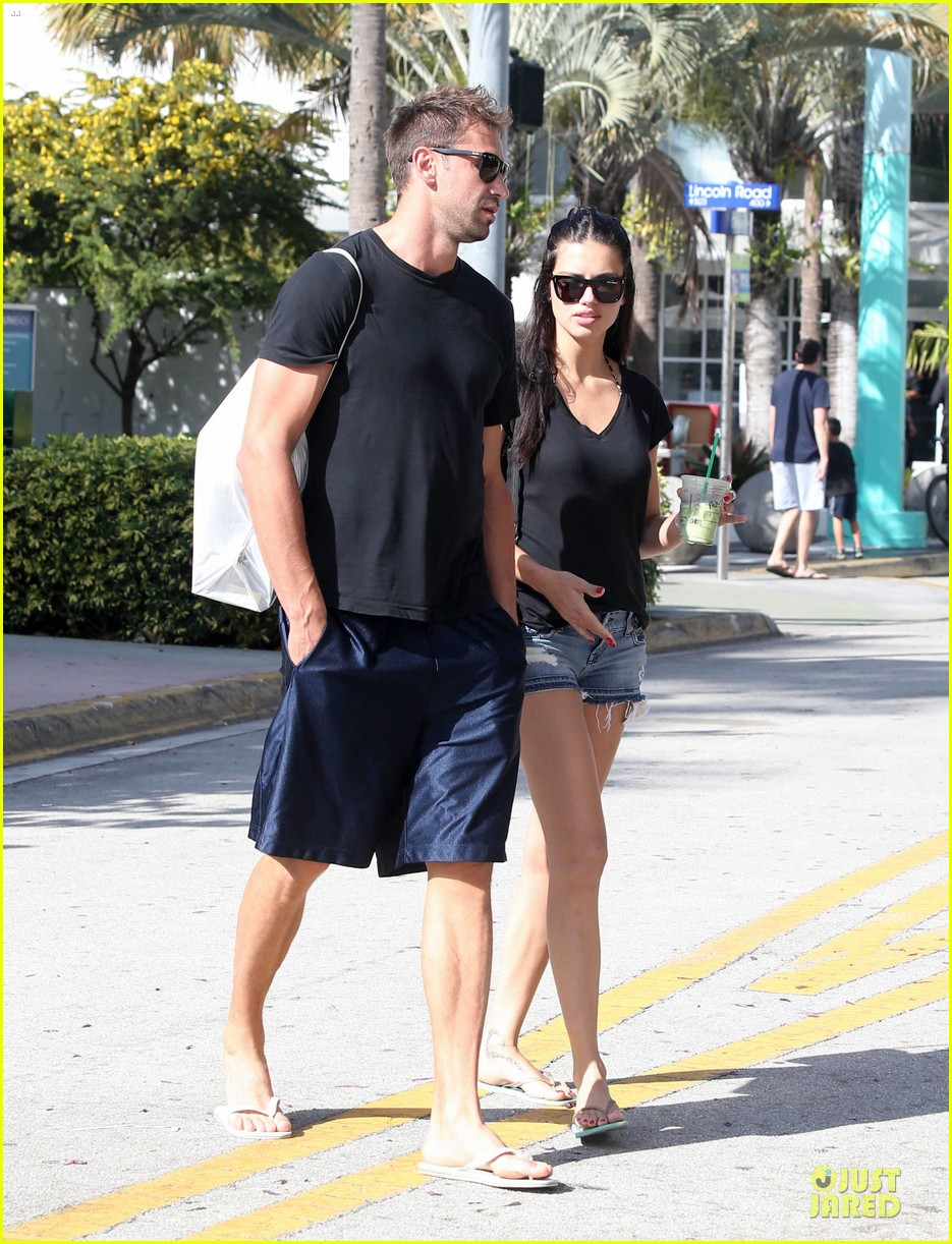 adriana lima chilling with husband marko jaric 13