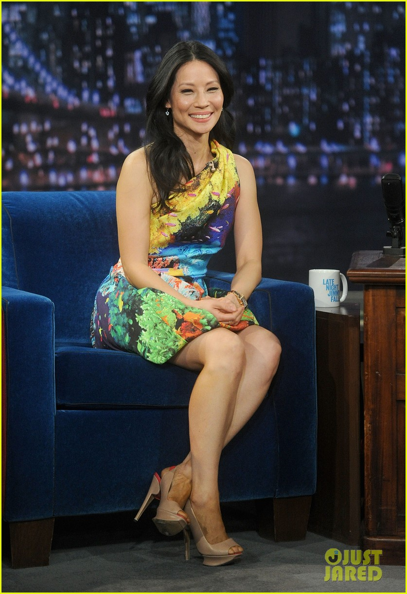 lucy liu late night with jimmy fallon appearance 03