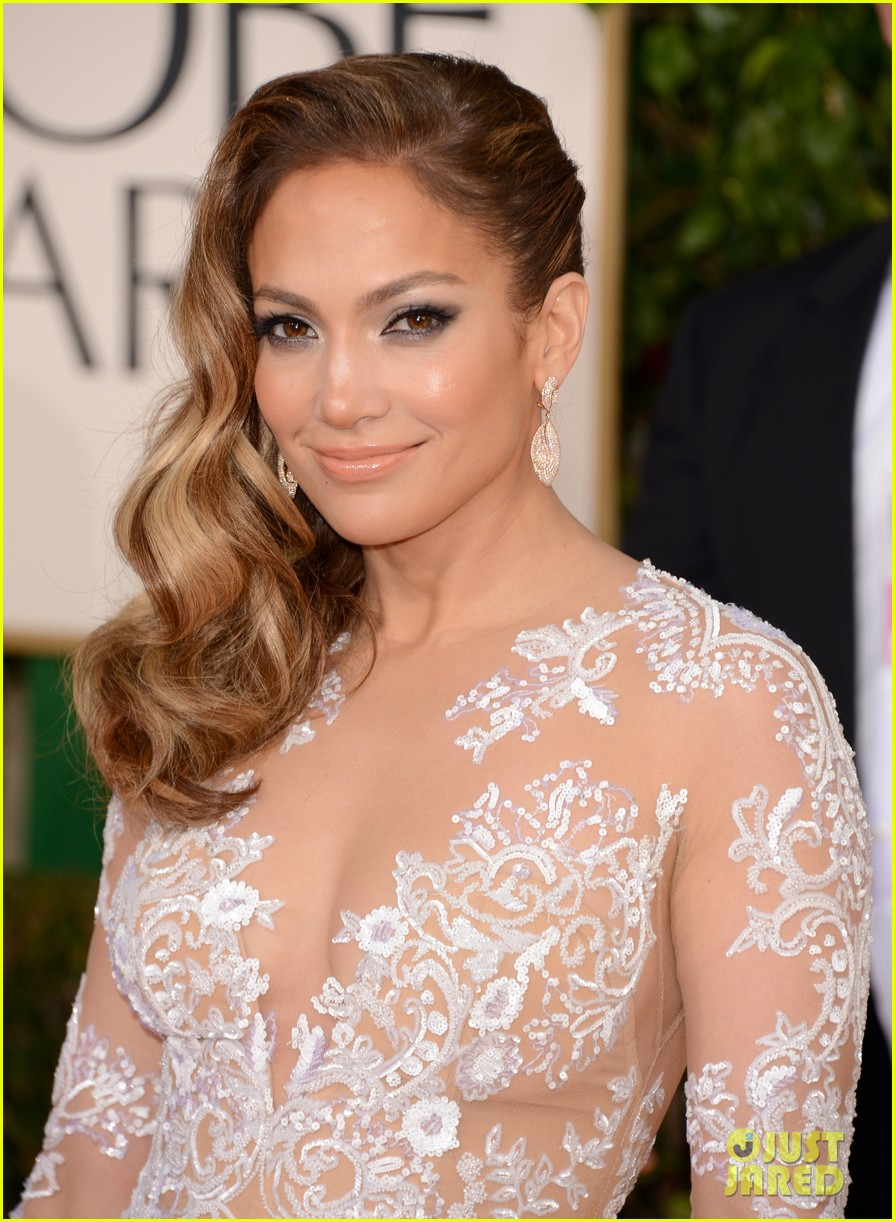 jennifer lopez golden globes 2013 red carpet 04