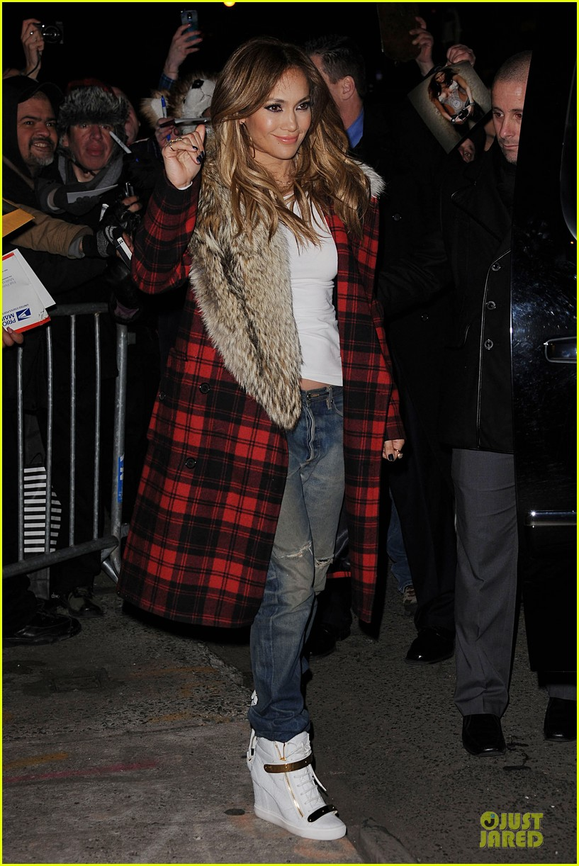 jennifer lopez the daily show with jon stewart appearance tomorrow 05