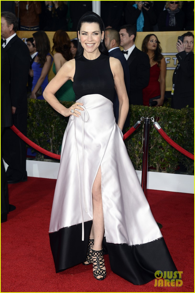 julianna margulies sag awards 2013 red carpet 01