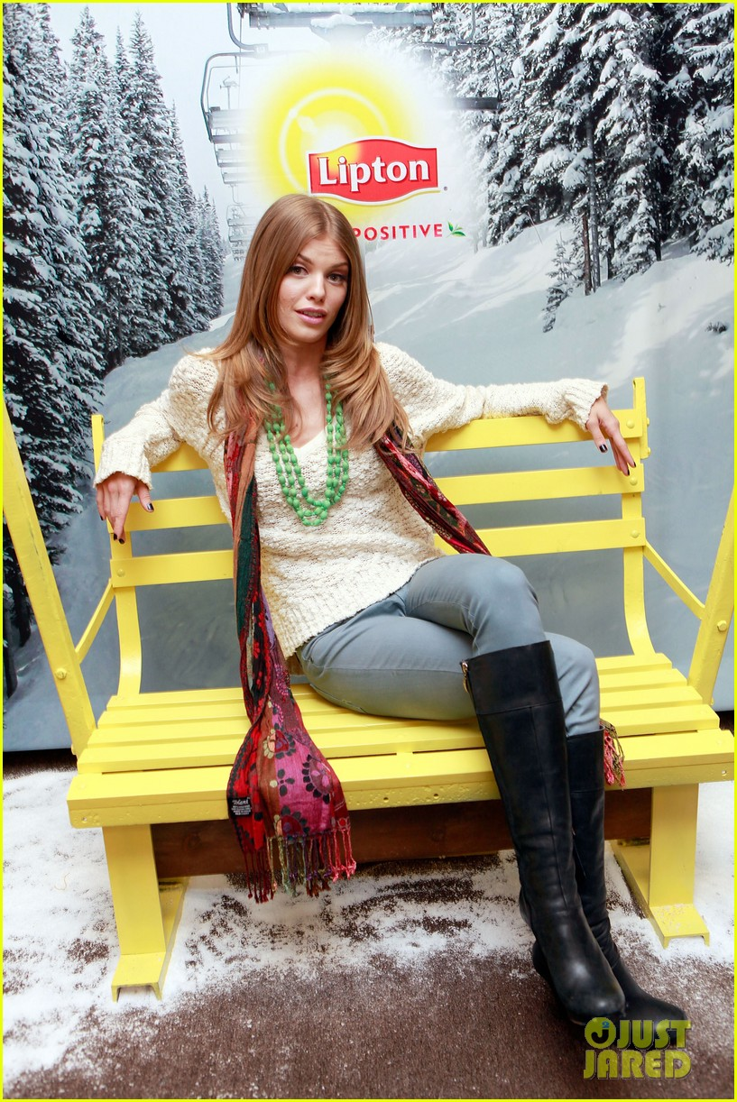 annalynne mccord takes sundance by storm 03