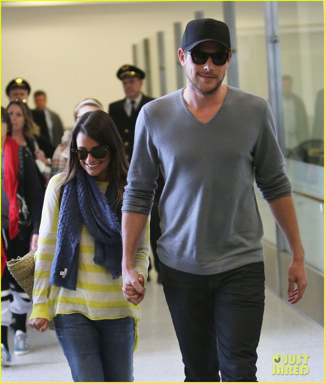 lea michele cory monteith holding hands at lax 022785443