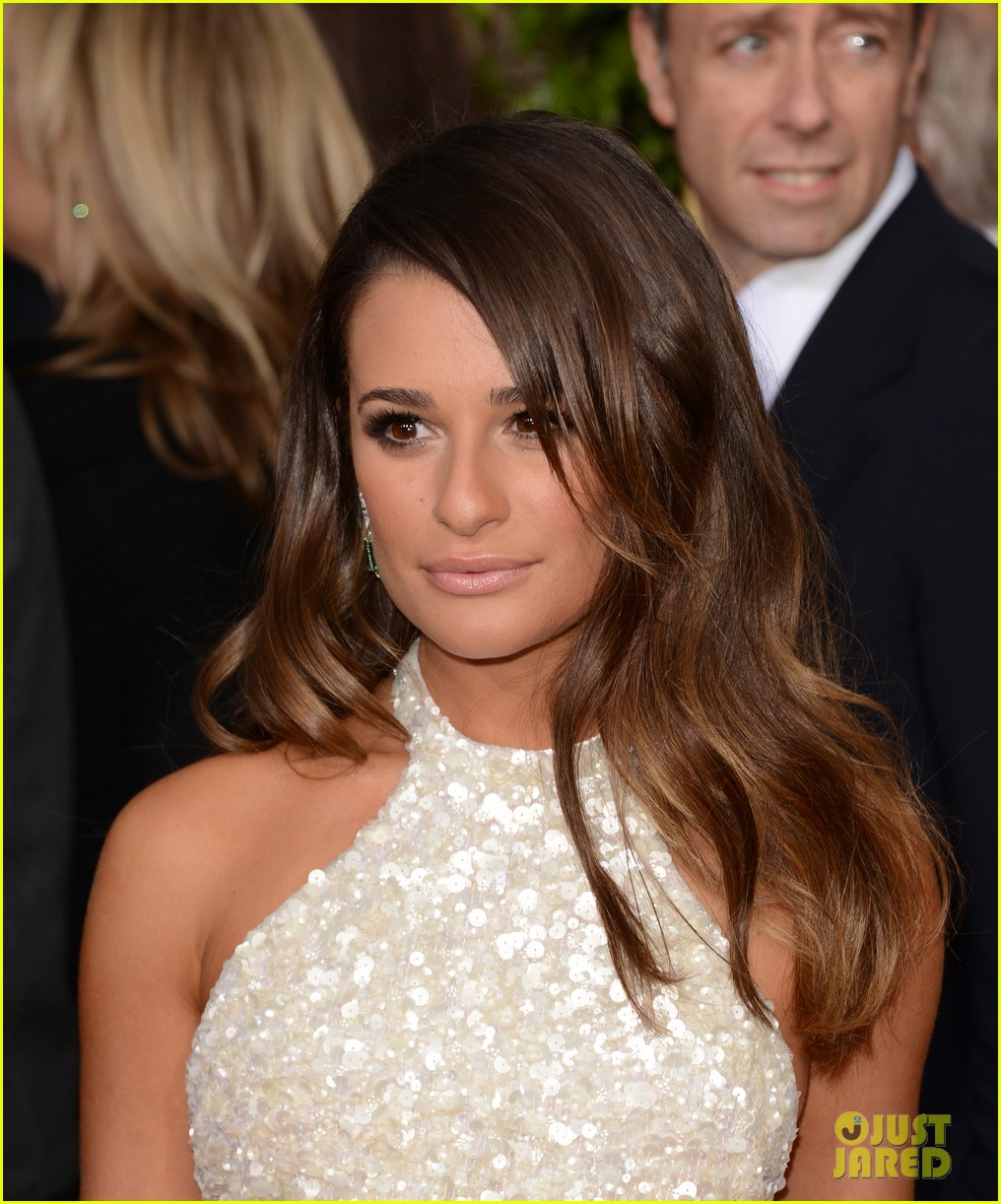 lea michele golden globes 2013 red carpet 03