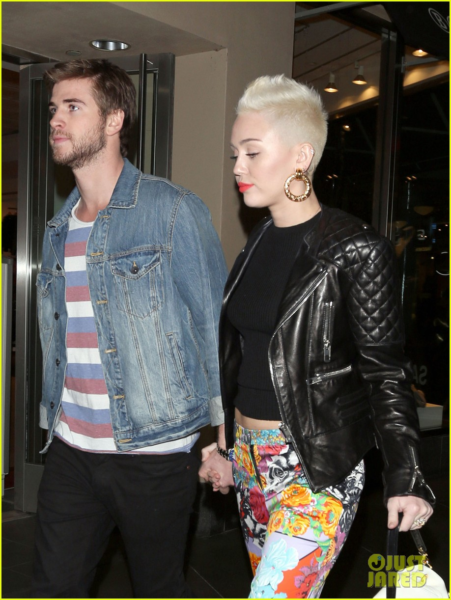 miley cyrus liam hemsworth noah cyrus birthday bash 02