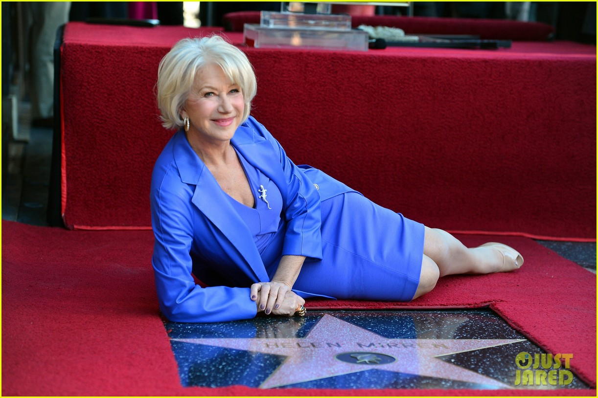 helen mirren receives star on hollywood walk of fame 112784353