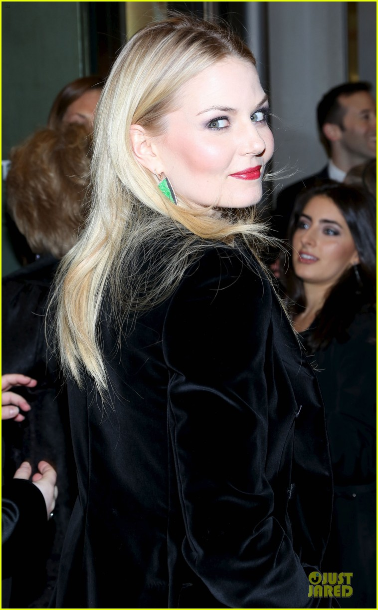 jennifer morrison chace crawford picnic opening night 12