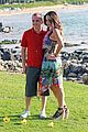 frankie muniz hawaiin vacation with elycia marie 01