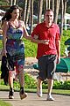 frankie muniz hawaiin vacation with elycia marie 09