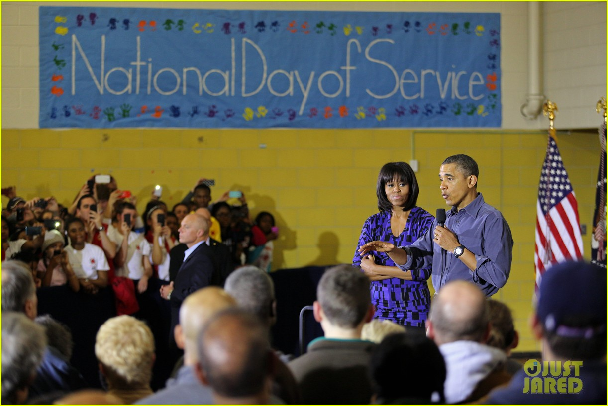 barack obama national day of service with michelle 092794951