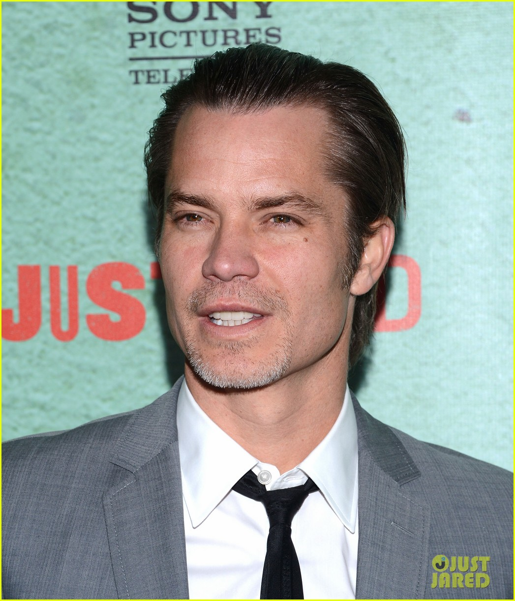 timothy olyphant joelle carter justified season four premiere 162785556