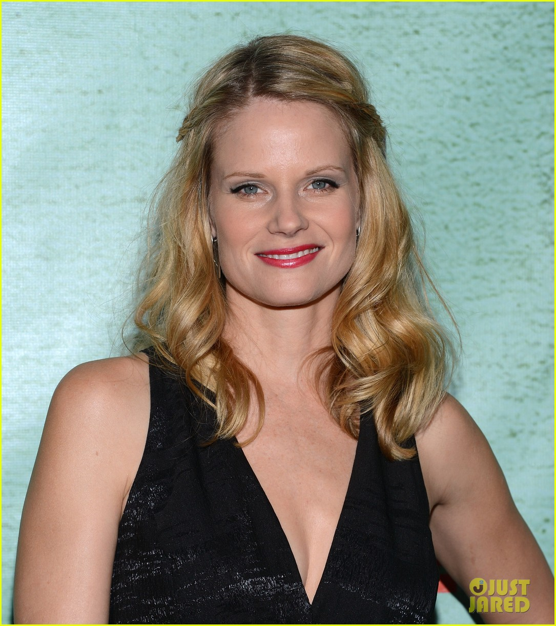 timothy olyphant joelle carter justified season four premiere 20