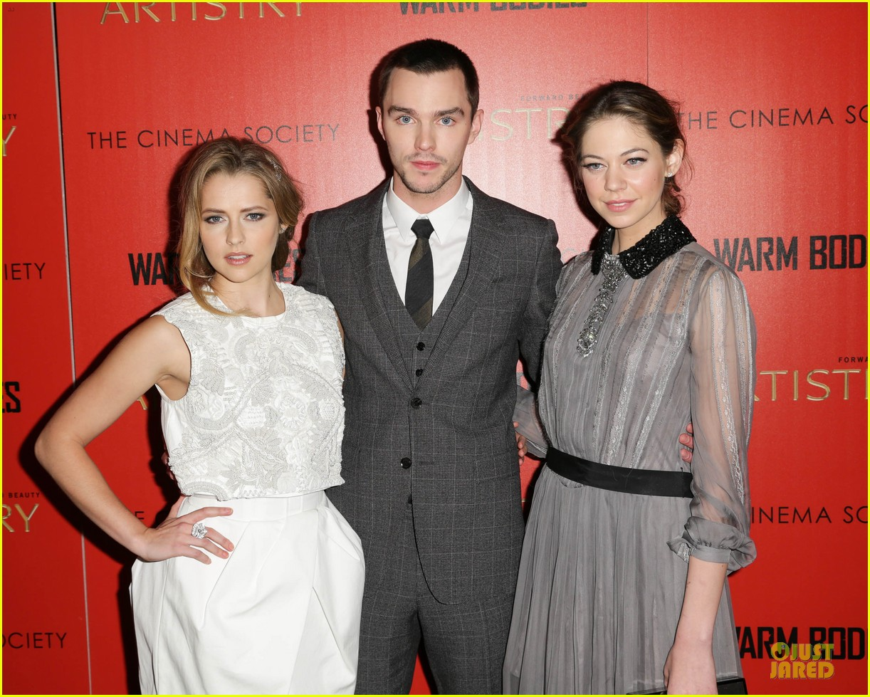 teresa palmer nicholas hoult warm bodies new york premiere 02