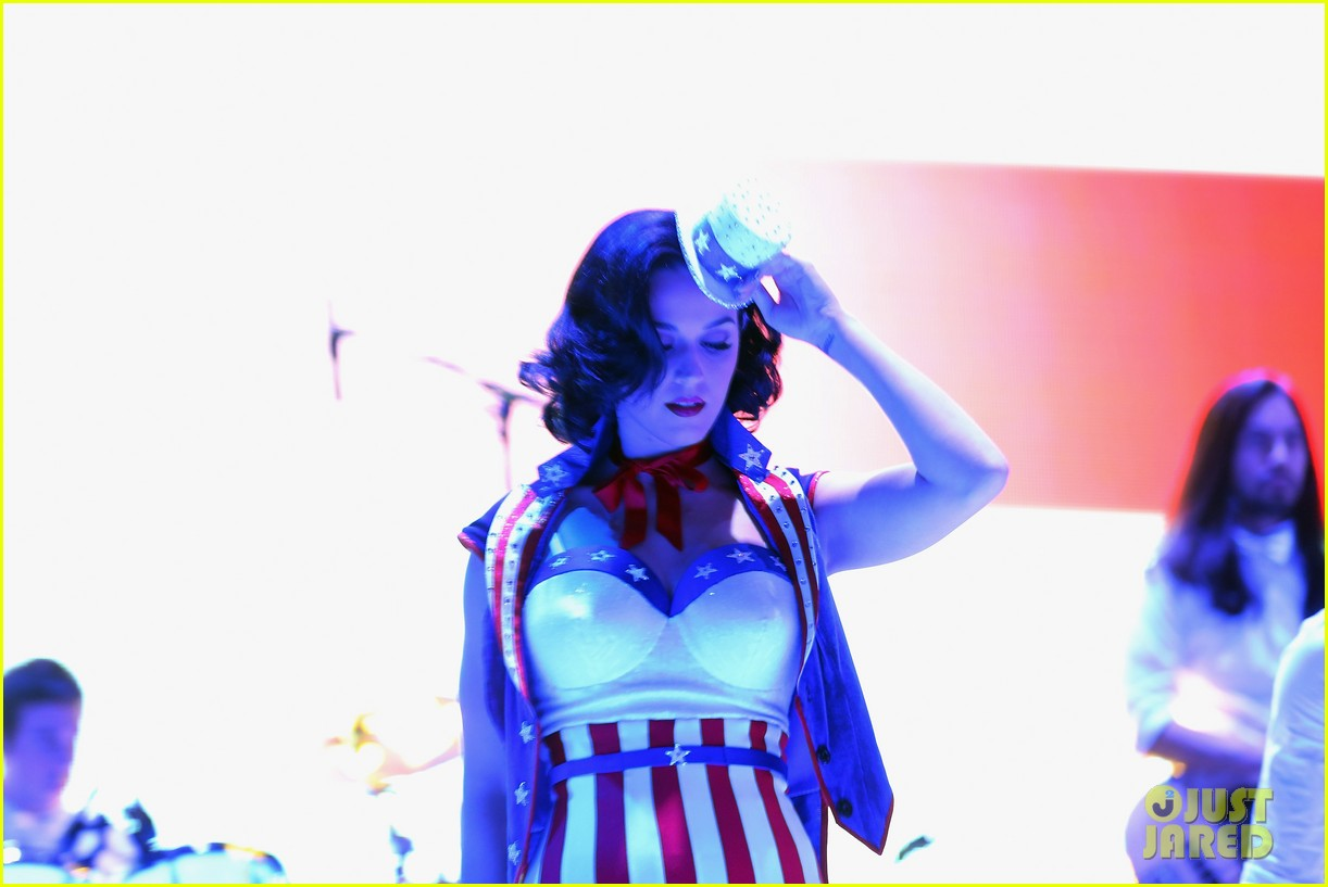 katy perry usher kids inaugural concert 2013 16