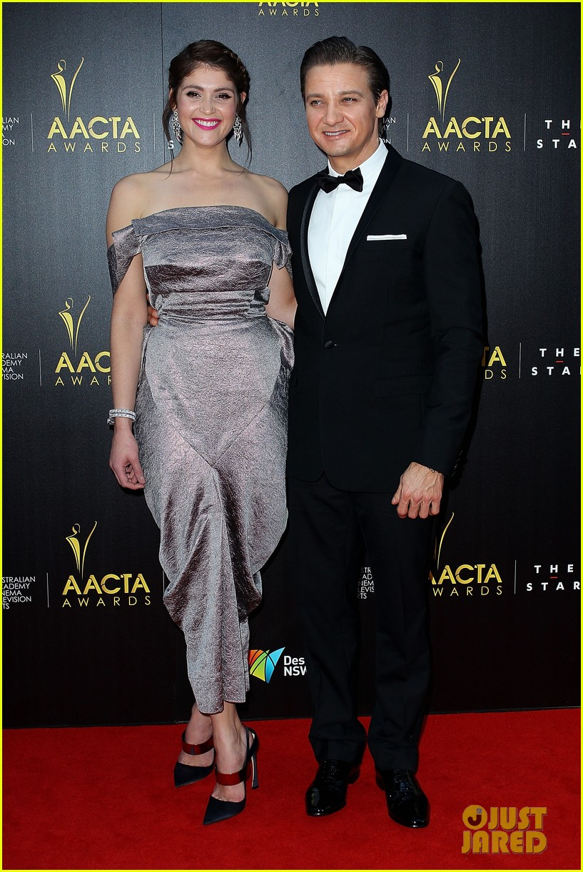 jeremy renner gemma arterton aacta awards attendees 07