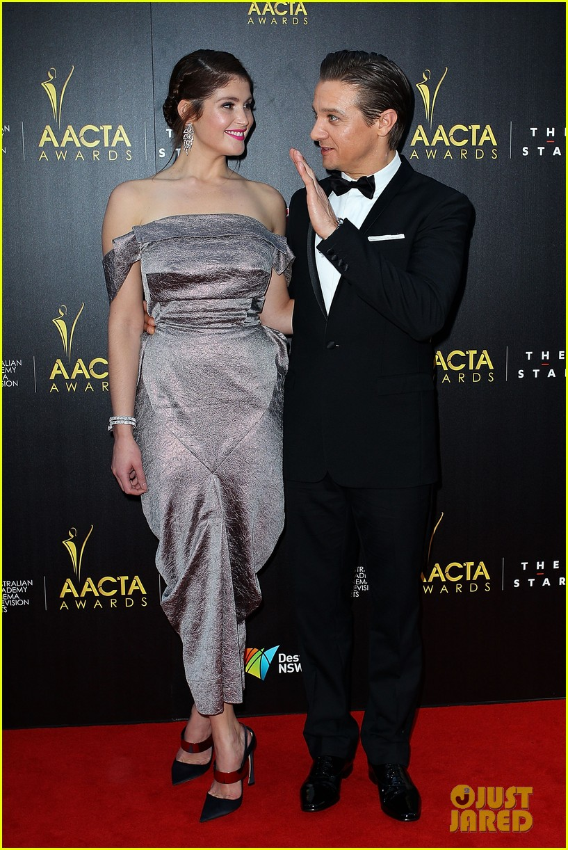 jeremy renner gemma arterton aacta awards attendees 10